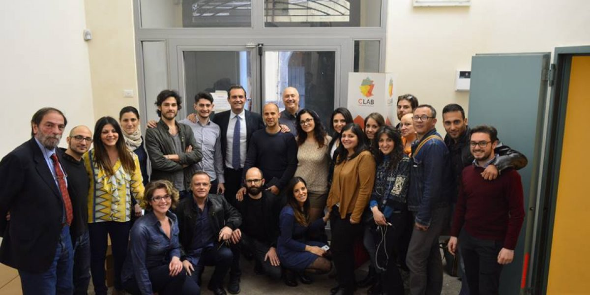 Il sindaco Luigi de Magistris al Contamination Lab Napoli